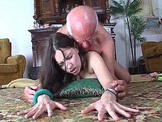 Slut demonstrates dildo in the matter of cur